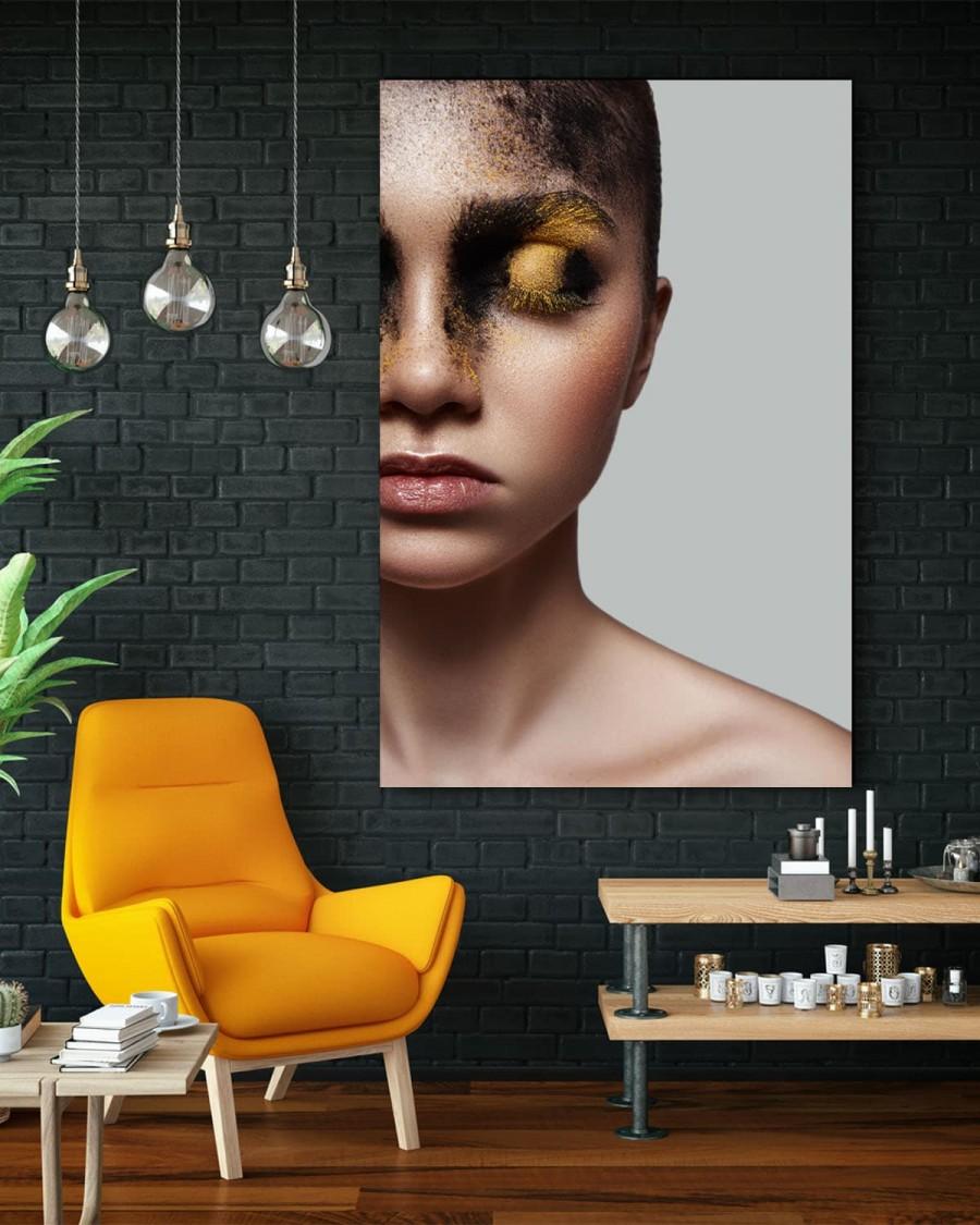Interiør-Mock-Face-Of-Fashion