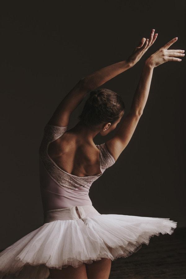 Interiør-Ballerina-Pose