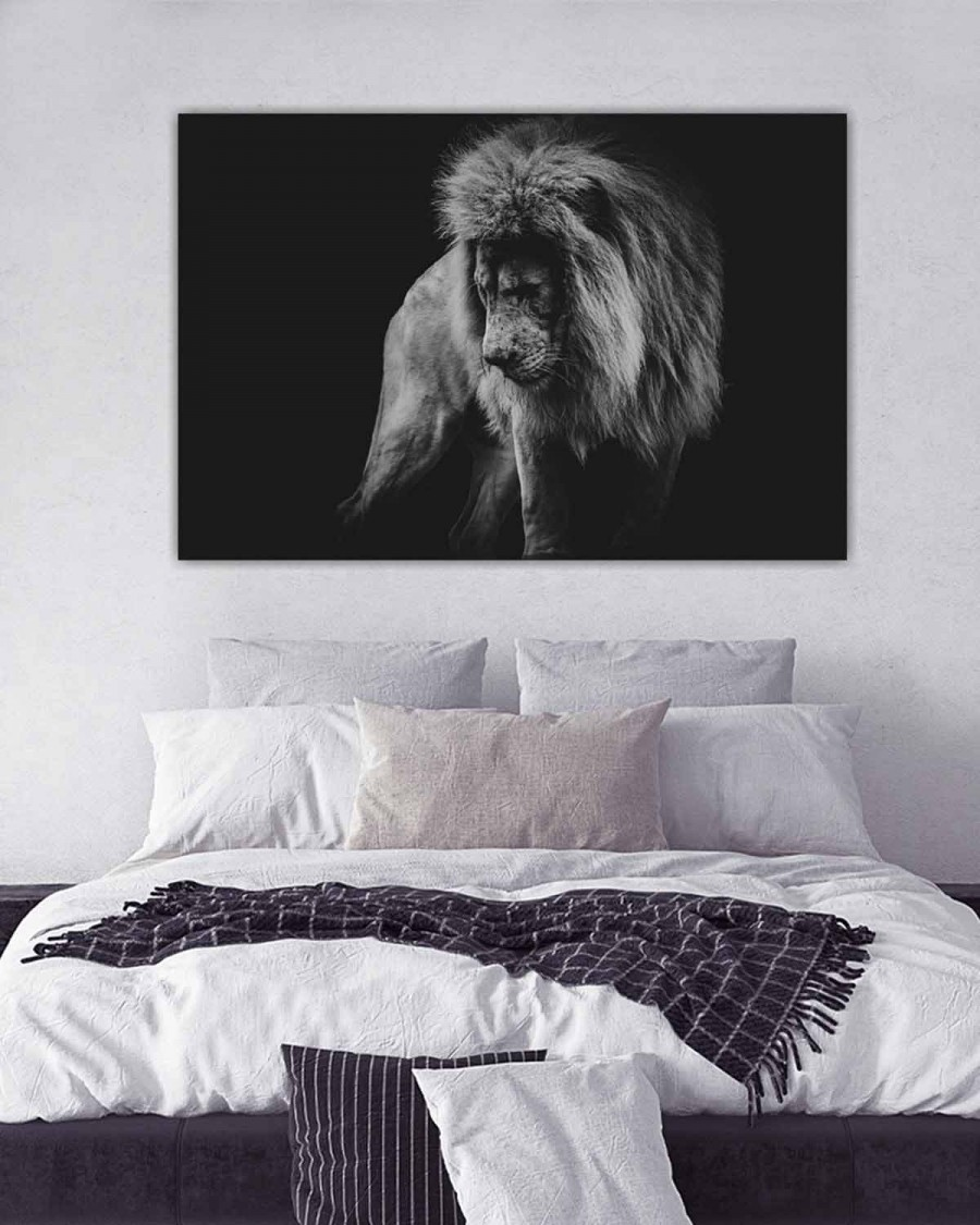 Interiør-Mock-Lion-In-Black&white