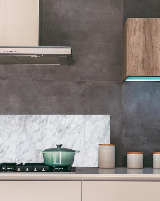 Backsplash-Veggplate-til-kjøkken